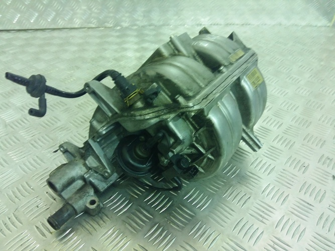 Коллектор впускной для двигателя 18 z18xer opel